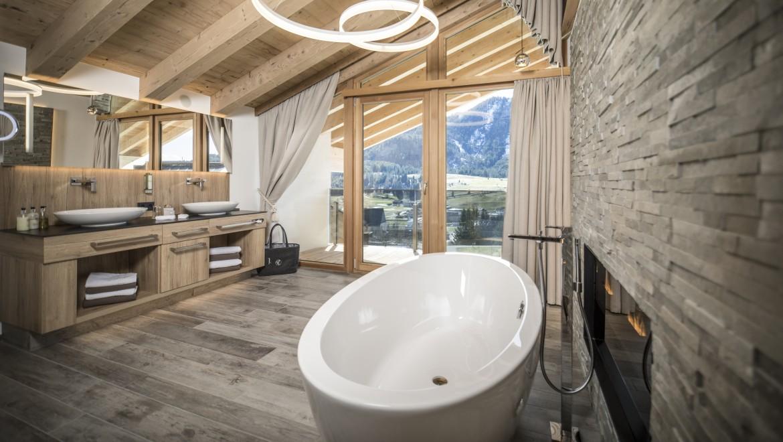 Badezimmer mir Bergblick