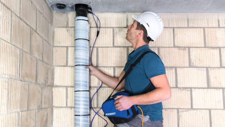 Einfaches Handling auf der Baustelle mit dem Geberit ESG light